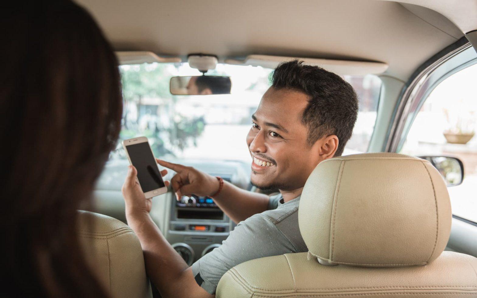 Uber vs Lyft vs Via: The Ultimate Rideshare Comparison Guide - Which is Cheapest?