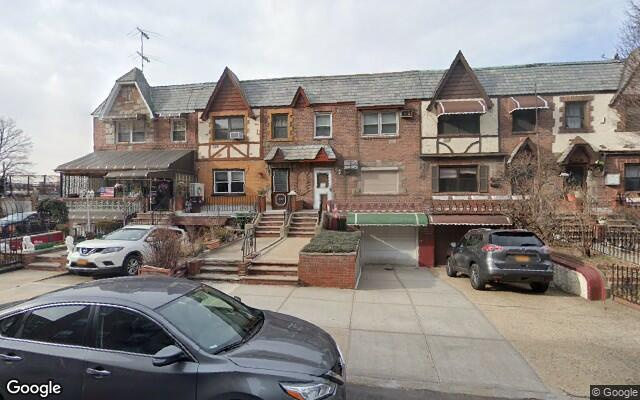 parking on 41-50 39th Place in Queens