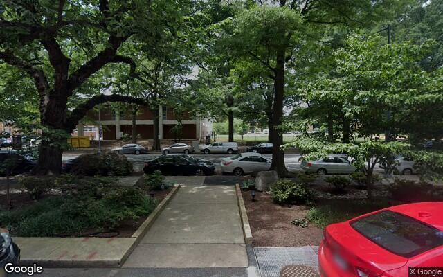 parking on 4th Street Southwest in Washington