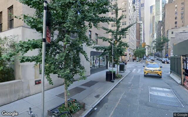 parking on 667-75 Lexington Ave in New York