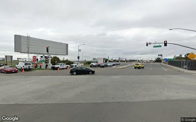 parking on Airport Access Road in Oakland