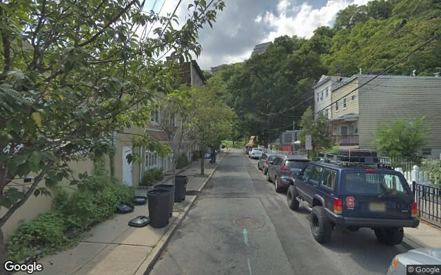 parking on Chestnut Street in Weehawken