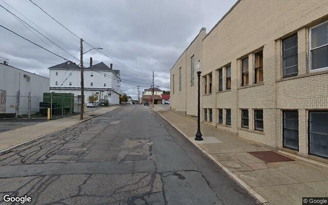 parking on Coffin Avenue in New Bedford