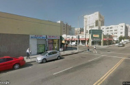 parking on East 8th Street in Los Angeles