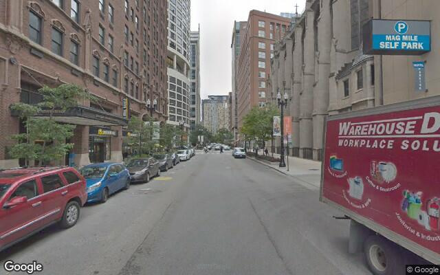 parking on East Chestnut Street in Chicago