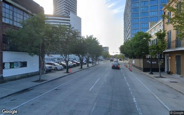 parking on Julia Street in New Orleans