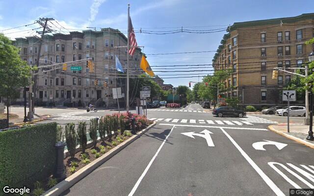 parking on Maxwell Ln in Hoboken
