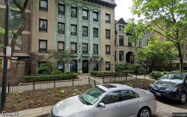 parking on North Hampden Court in Chicago