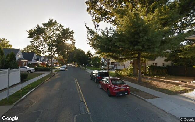 parking on Hillcrest Avenue in Manhasset