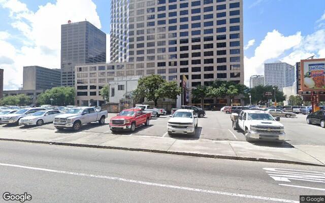 parking on Poydras Street in New Orleans