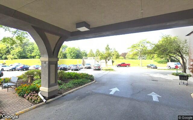 parking on Renaissance Place in Palatine