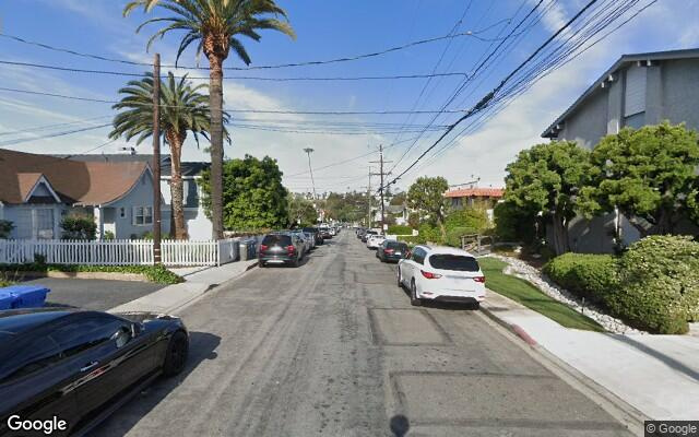 parking on Rockefeller Lane   California in North Redondo
