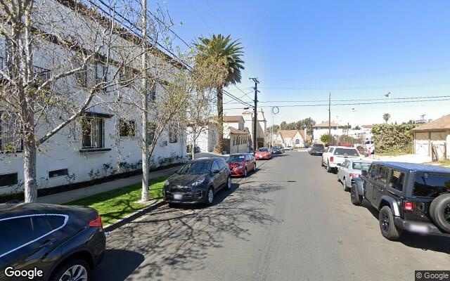 parking on S Cloverdale Ave in Los Angeles