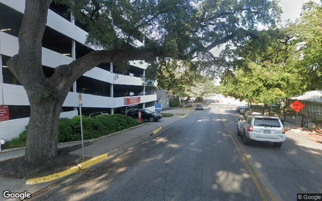parking on San Antonio Street Office Building in San Antonio St