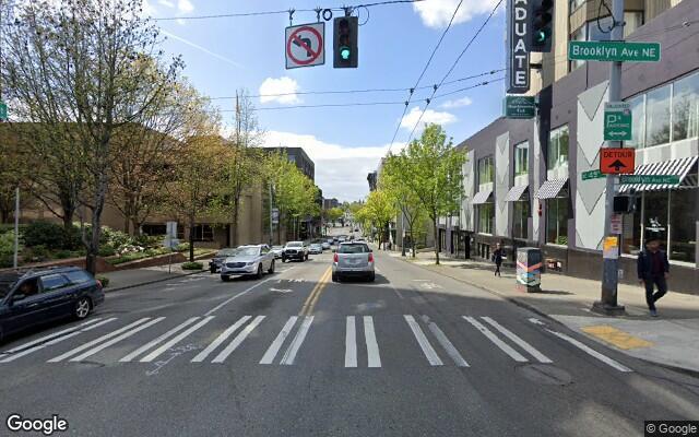 parking on NE 45th St & Brooklyn Ave NE in Seattle