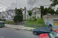 parking on 452-454 Summer Ave in Newark