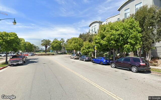 parking on W Fielding Cir in Playa Vista