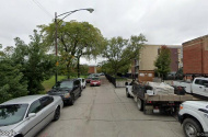 parking on W Wrightwood Ave in Chicago