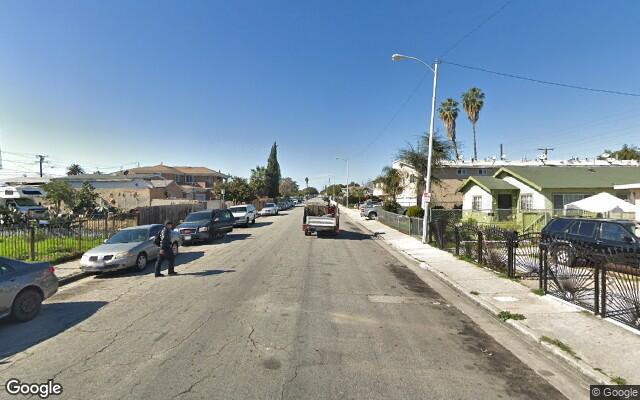 parking on West 99th Street in Los Angeles