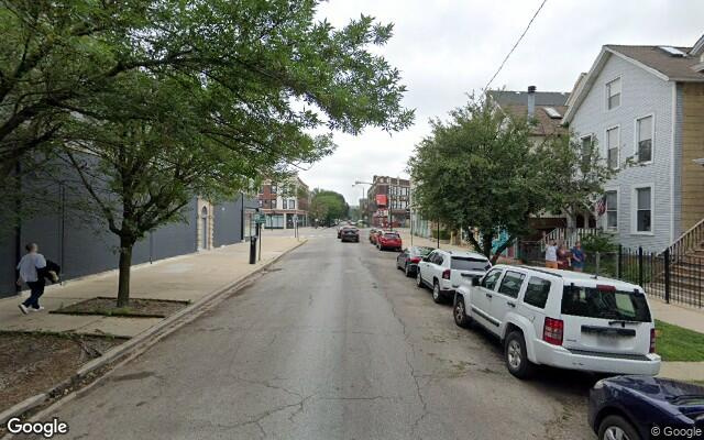 parking on West Barry Avenue in Chicago