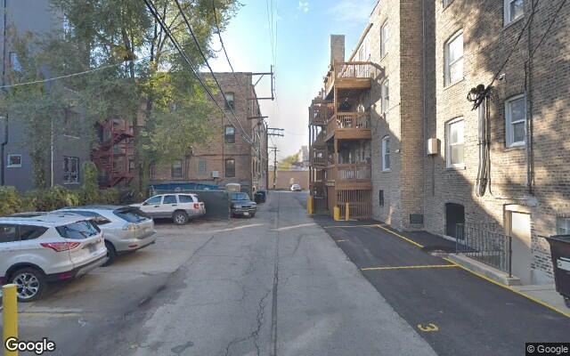 parking on West Buckingham Place in Chicago