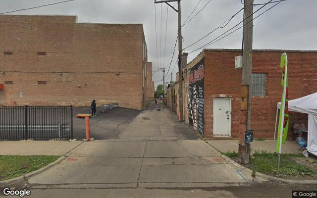 parking on West Cermak Road in Chicago