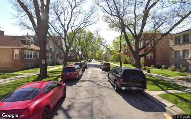 parking on West Dakin Street in Chicago