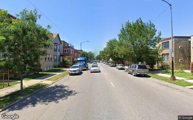 parking on West Foster Avenue in Chicago
