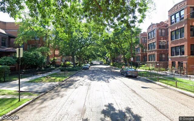 parking on West Pratt Boulevard in Chicago