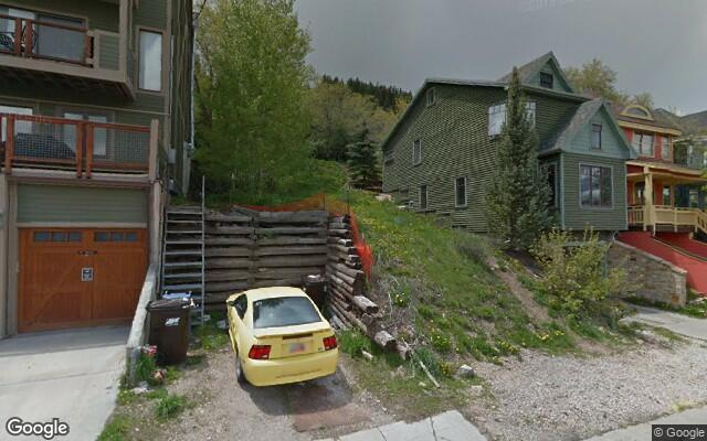 parking on Woodside Ave in Park City