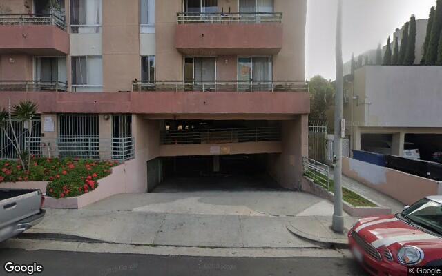 parking on N Las Palmas Ave in Los Angeles