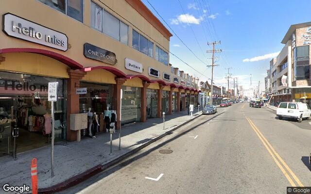 parking on East 12th Street in Los Angeles