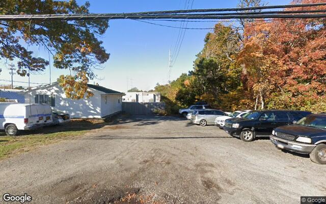 parking on Weeks Ave in Manorville