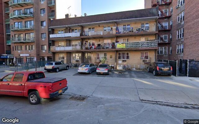 parking on 144-40 Roosevelt Ave in Flushing