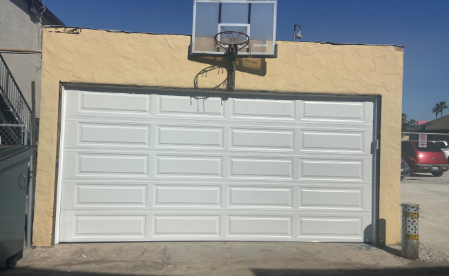 Garage parking on 11th Court in Hermosa Beach