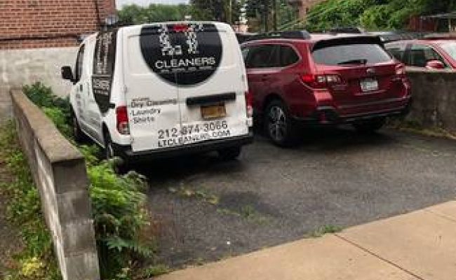 parking on 37th Ave in Queens