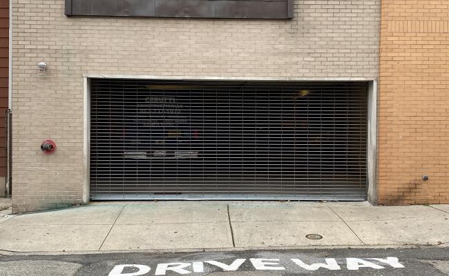 Garage parking on 40th Street in Union City