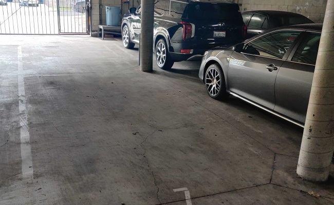 parking on Bagley Avenue in Los Angeles