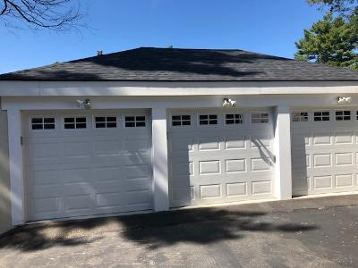 Garage parking on Brandon Road in Milton