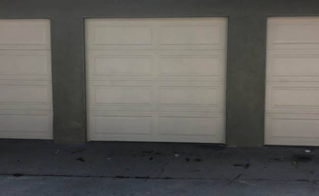 Garage parking on Crenshaw Boulevard in Inglewood