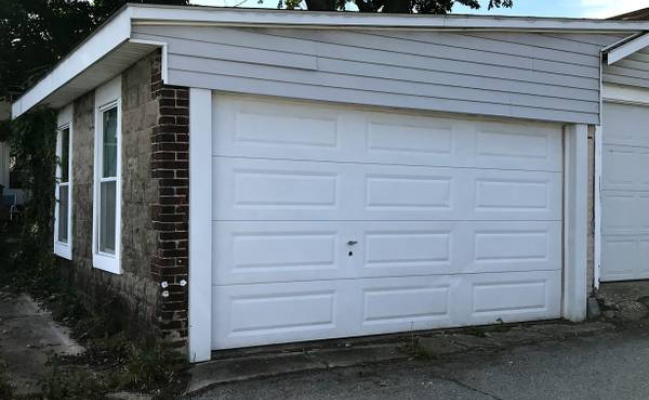 Garage parking on East 9th Avenue in Conshohocken