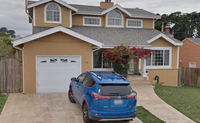 Garage parking on Ellis Drive in Daly City