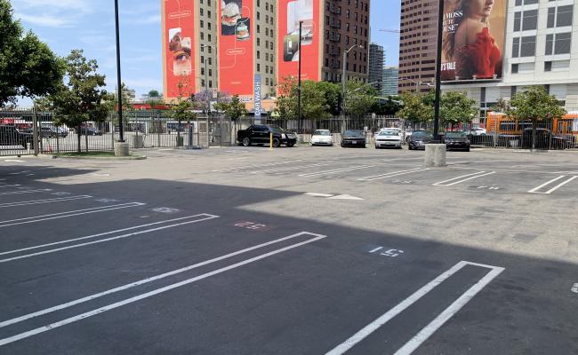 Outside parking on Figueroa Street in Los Angeles
