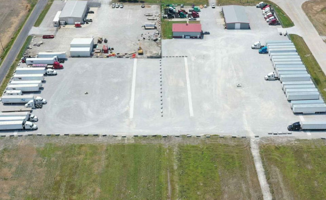 parking on Industrial Dr in Roxana