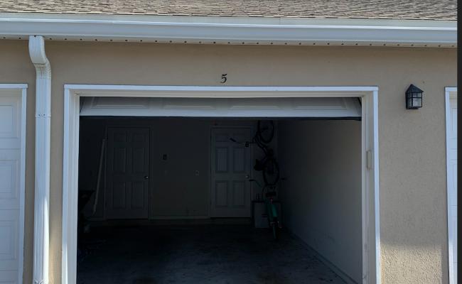 Garage parking on Jardin De Mer Pl in Jacksonville Beach