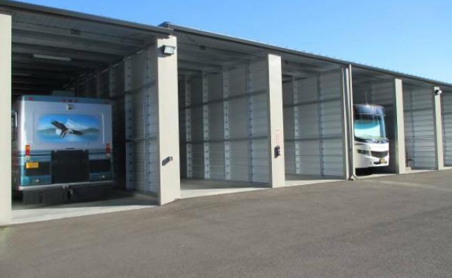 Garage parking on N Columbia River Hwy in St. Helens