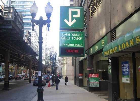 parking on N Wells St in Chicago