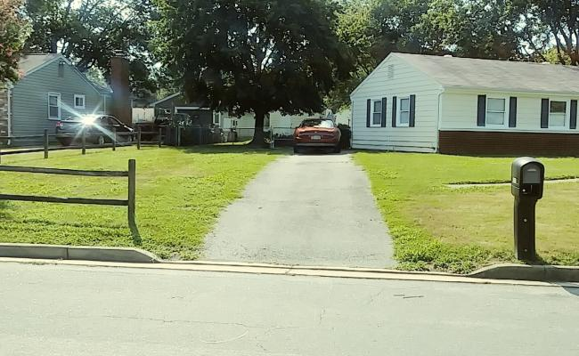 Driveway parking on Naselle Lane in Henrico