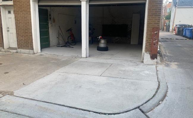 Garage parking on North Ashland Avenue in Chicago