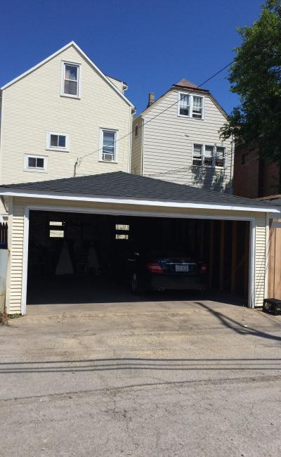 Garage parking on North Claremont Avenue in Chicago